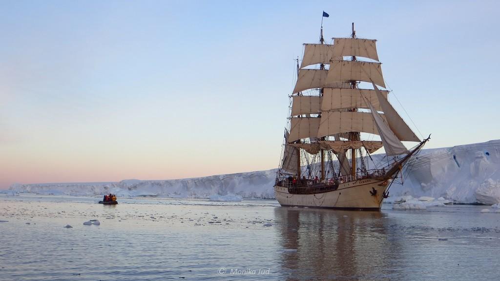 Antarktis: Bark Europa im Weddell-Meer auf ihrer Reise 2013 von Ushuaia über Antarktis, Süd-Georgien und Tristan da Cunha nach Kapstadt