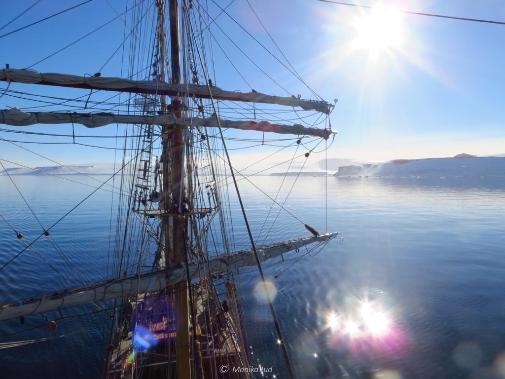 Masten der Bark Europa im Weddell-Meer