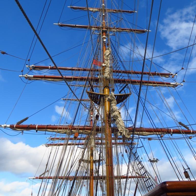 Masten der Bark Europa; noch im Hafen von Ushuaia und ohne Segel