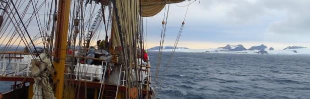 18. März, Hope Bay, argentinische Antarktis-Station Esperanza