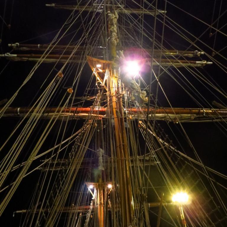 Bark Europa - Masten bei Nacht