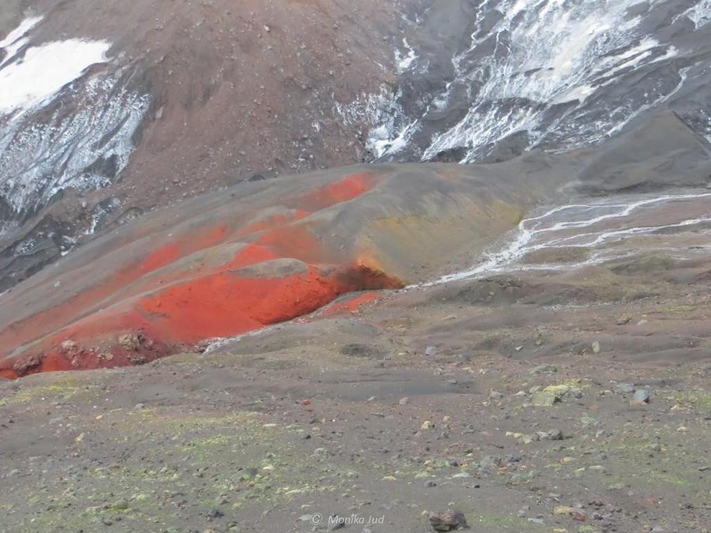Deception Island - der farbige vulkanische Boden