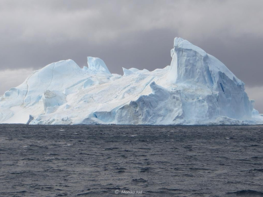 Eisberg im Weddell-Meer in der Antarktis