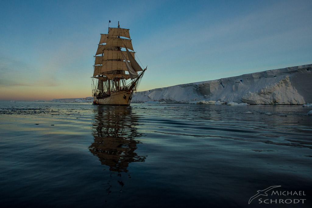 Europa at Tabular iceberg - Fotografie von Michael Schrodt