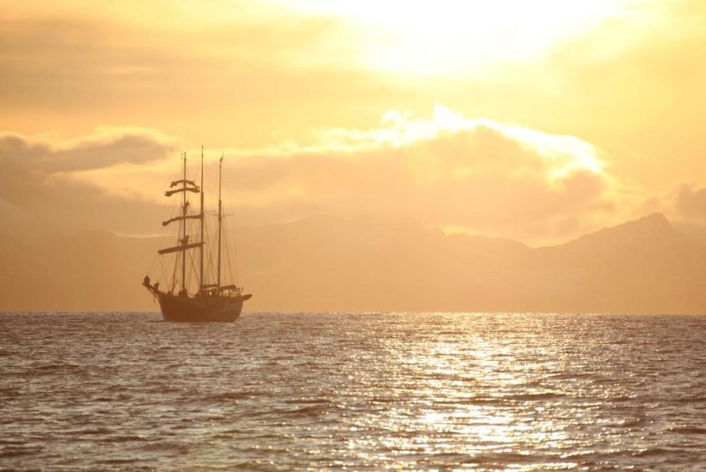 Sonnenuntergang vor Spitzbergen